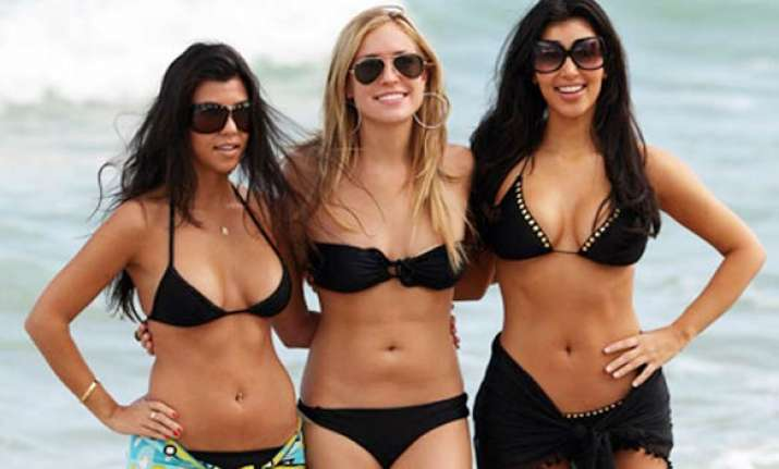 kardashian sisters facing 75 million lawsuit over credit