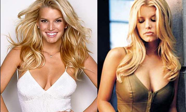 jessica simpson overwhelmed by newly born daughter