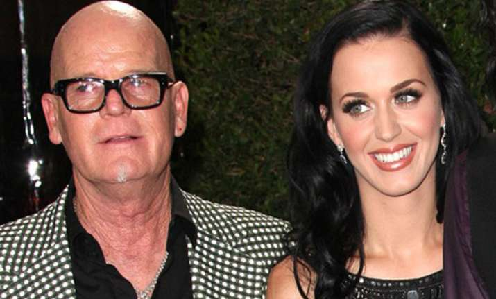katy perry s father apologizes for remarks about jews