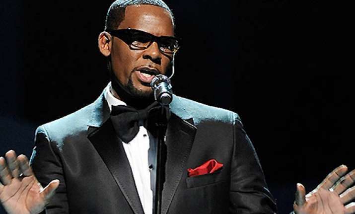 r. kelly brings back trapped series