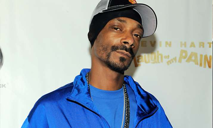 snoop dog hit with minor drug charge in texas