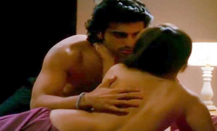 arjun kapoor in steamy scenes with sasha agha in aurangzeb