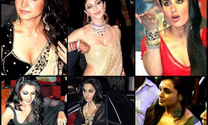 bollywood babes saree slip up moments see pics