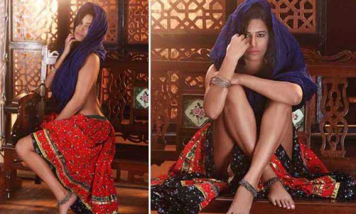 poonam pandey dons sari for her next flick view pics
