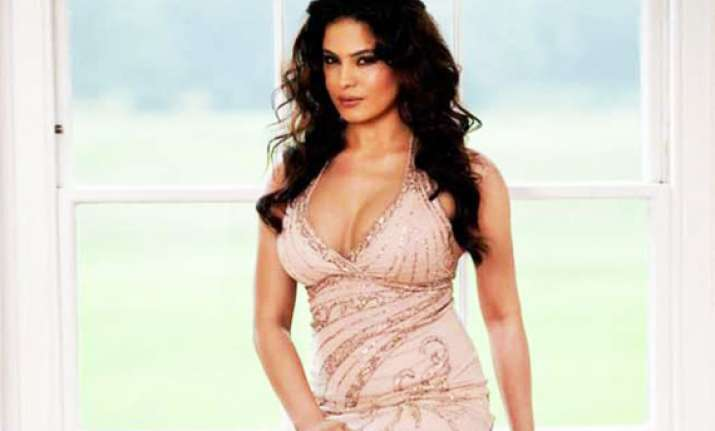 veena malik refuses to appear nude for playboy sun