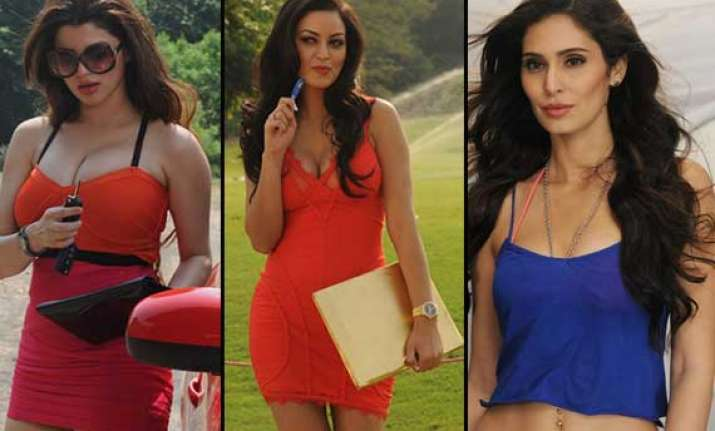 watch out for the seductive actresses on the sets of grand