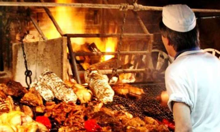 Barbecues add heat to Uruguay's summertime Christmas dinners