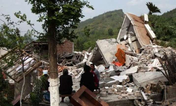 death toll in china quake rises to 195 10 500 injured
