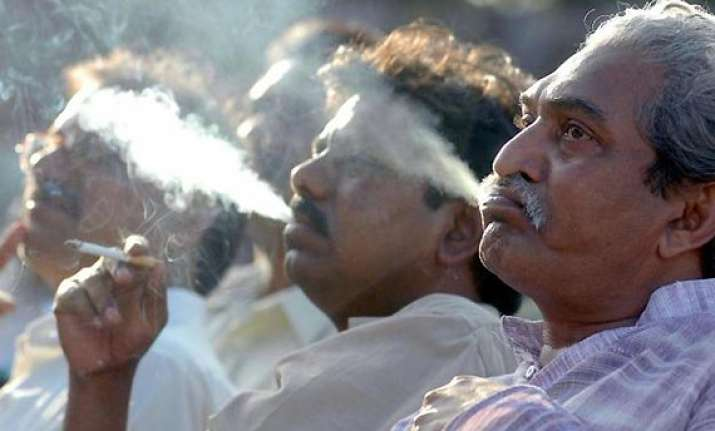 50 of smokers think limited smoking is not harmful survey