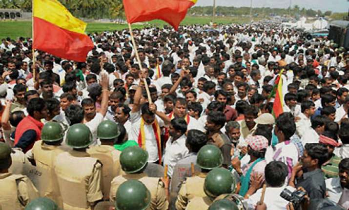 cauvery war intensifies tn to file contempt plea against