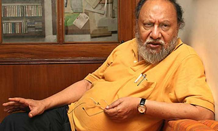 ashis nandy booked under sc/st act for remark on dalits