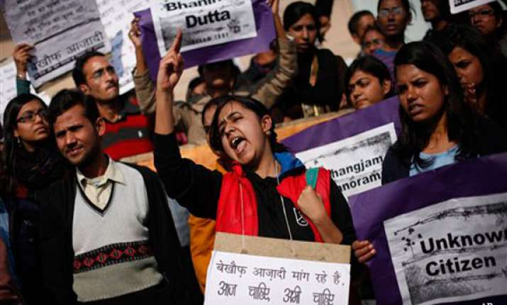 delhi gang rape victim s family demands death for juvenile