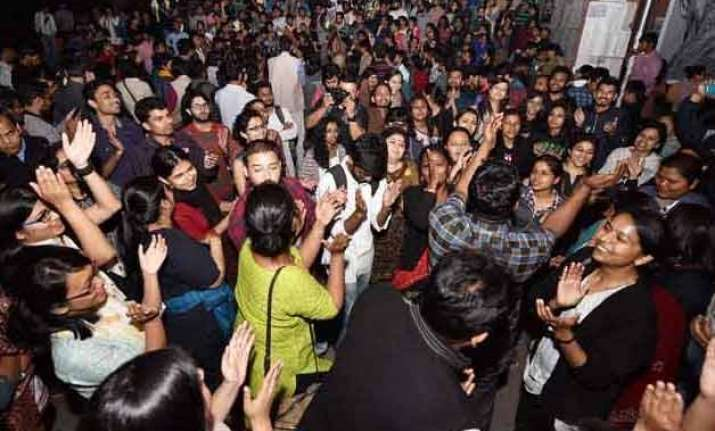 jnu students take out victory march