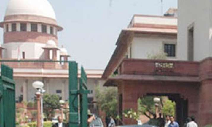 sc slams govt for equating housewives with