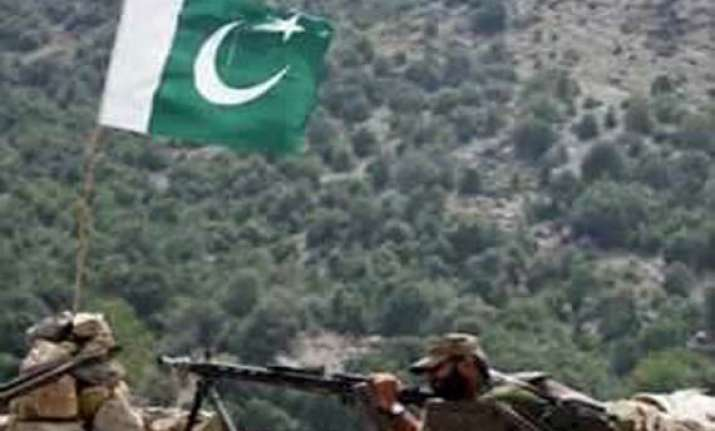 pakistan fires again at indian positions
