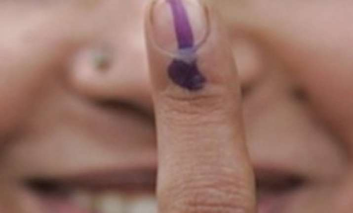 turnout 55 58 per cent voting peaceful in delhi mcd polls