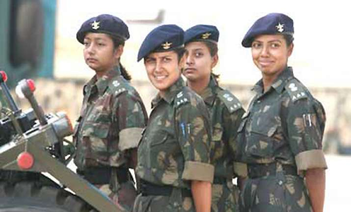 women will not be given combat role in indian army as of now