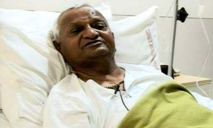 anna hazare stable in icu say doctors