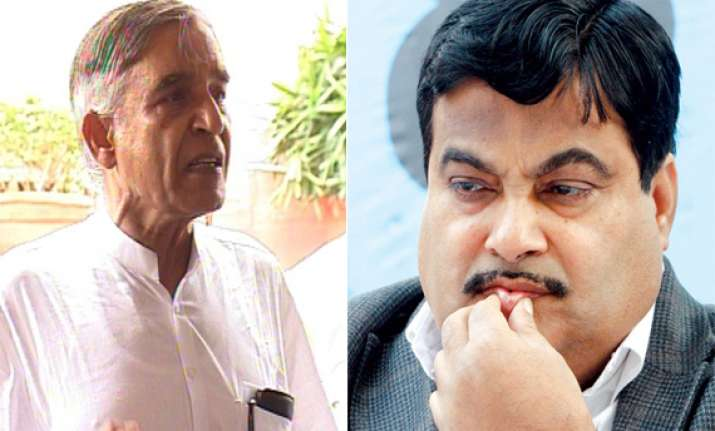 gadkari faces controversy over letter to bansal