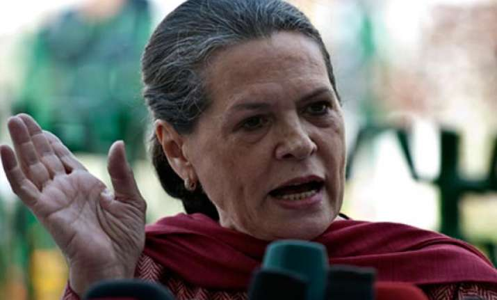 sonia gandhi parties must stand united against maoists