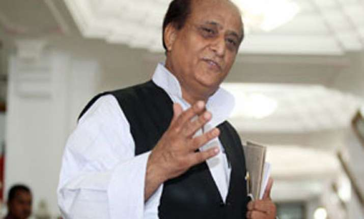 up minister azam khan slaps train attendant forces him to
