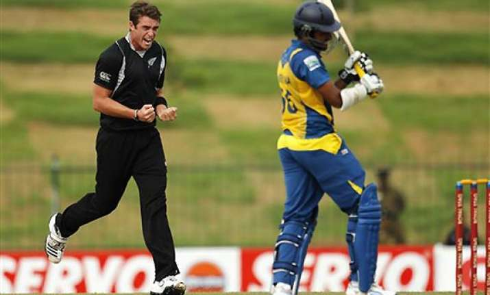 sri lanka wins rain hit odi series against new zealand