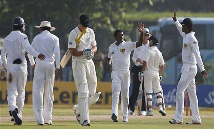 sri lanka 9 1 at stumps on 1st day against new zealand