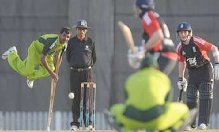 stunning pics of disabled pak england cricketers playing