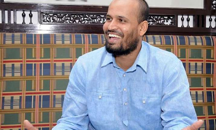 yusuf pathan exchanges engagement rings with afreen