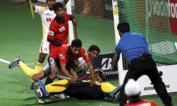 karnataka beat delhi to climb up in wsh standings