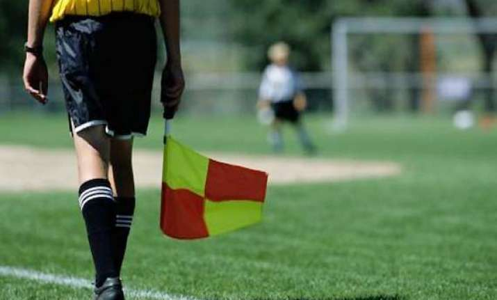 dutch youth football linesman dies after attack