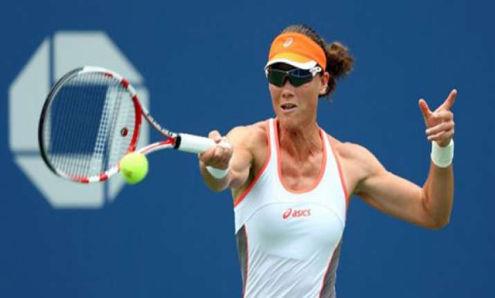 stosur advances to 2nd round at japan open