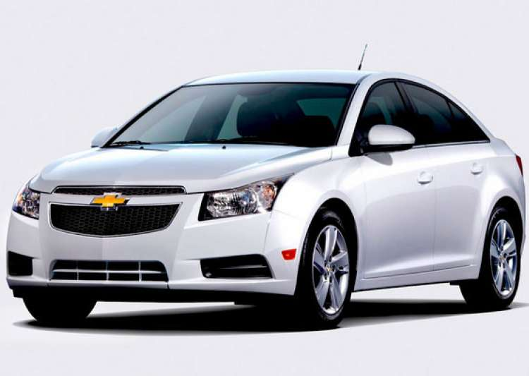 Gm India Launches Updated Chevrolet Cruze At Rs 13 70 Lakh