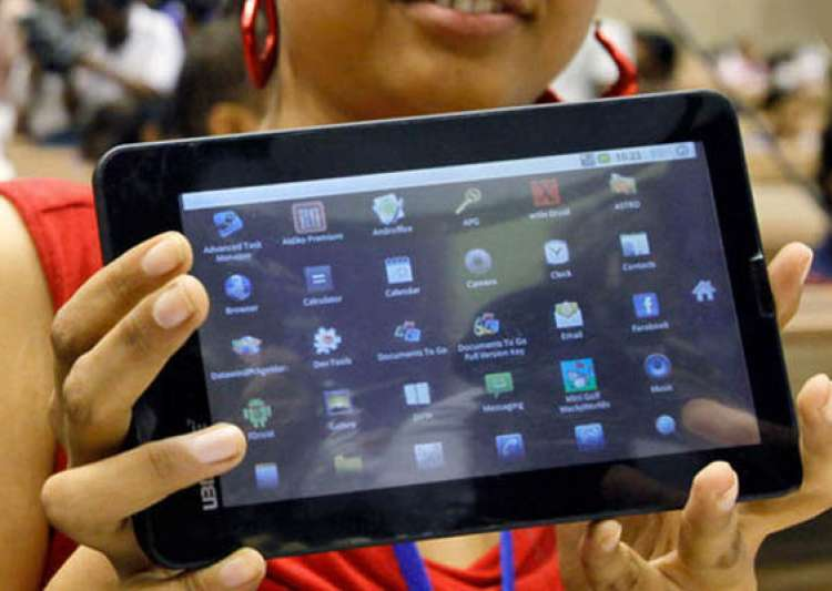 ultra low cost tablet aakash 2 launched- India Tv
