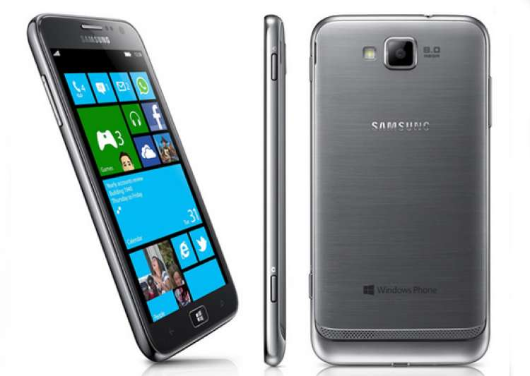meet samsung s premium windows phone 8 handset the ativ s- India Tv