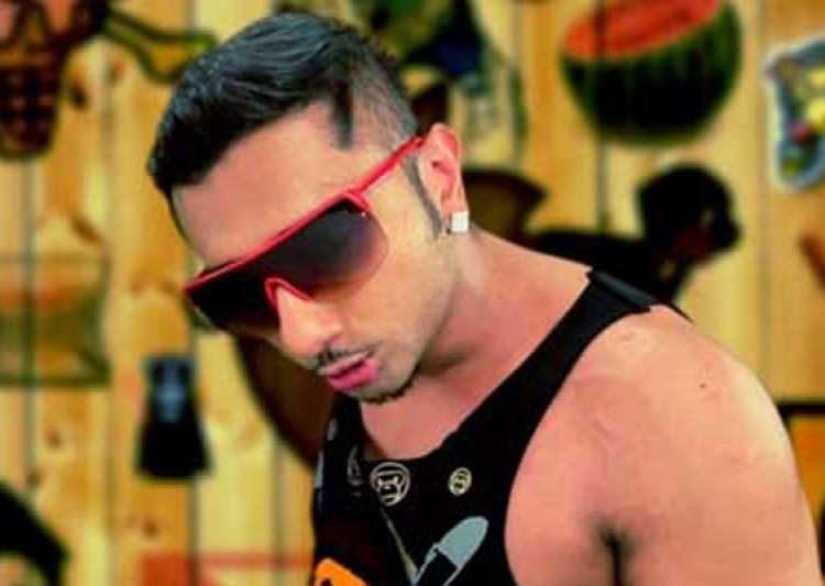 honey singh sings brown rang for desi girl priyanka- India Tv