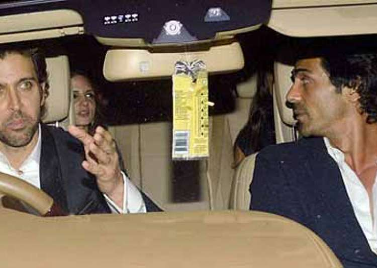 hrithik suzanne divorce is suzanne having an affair with- India Tv