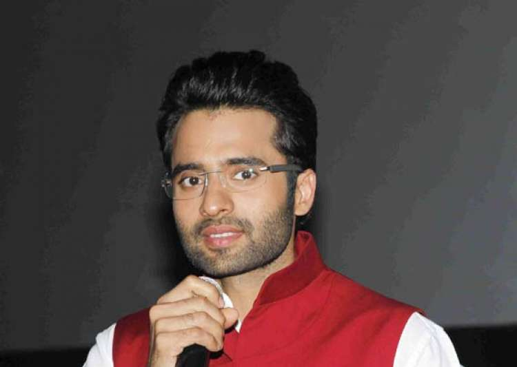 neha sharma dating jackky bhagnani Bollywood actor jackky bhagnani and neha sharma have recently split up.
