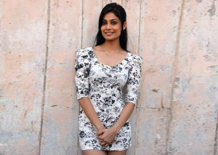 puja gupta to star in saif s home production