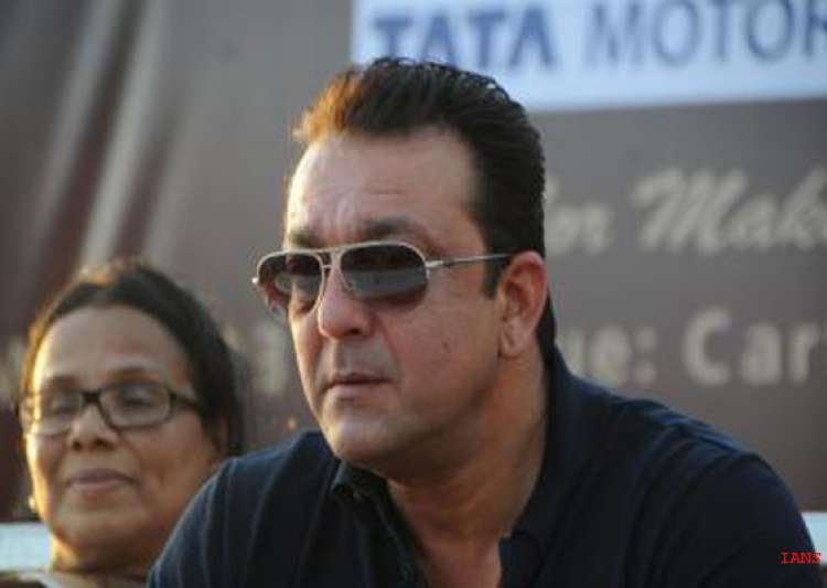 sanjay dutt meets cancer patients donates mammography- India Tv