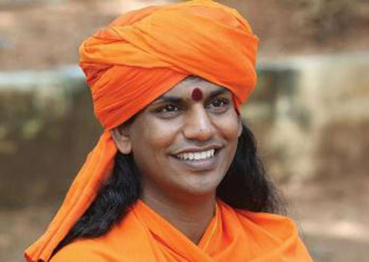 swami nithyananda being persuaded to join bigg boss 6- India Tv