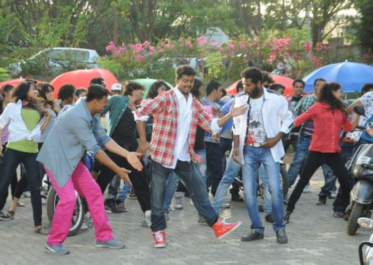 tamil actor vijay to dance in rowdy rathore number- India Tv