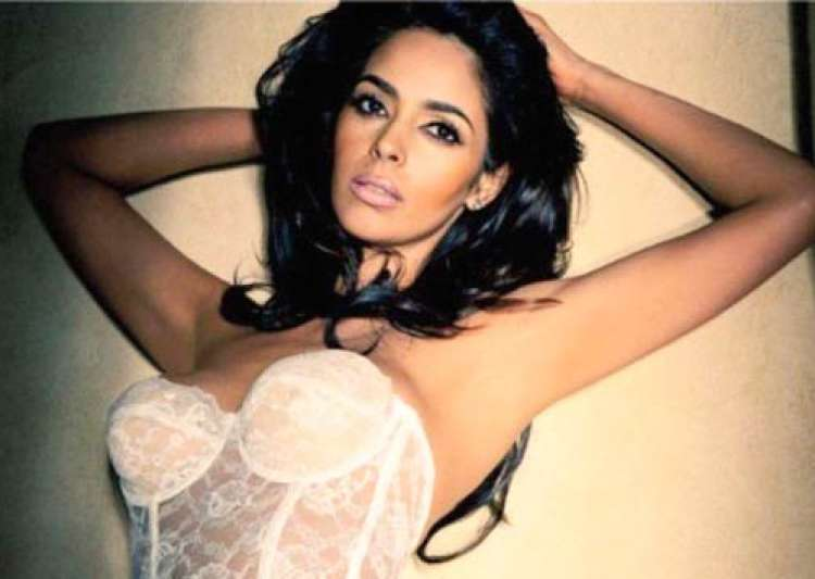 hot mallika sherawat to speak at oxford university see pics- India Tv