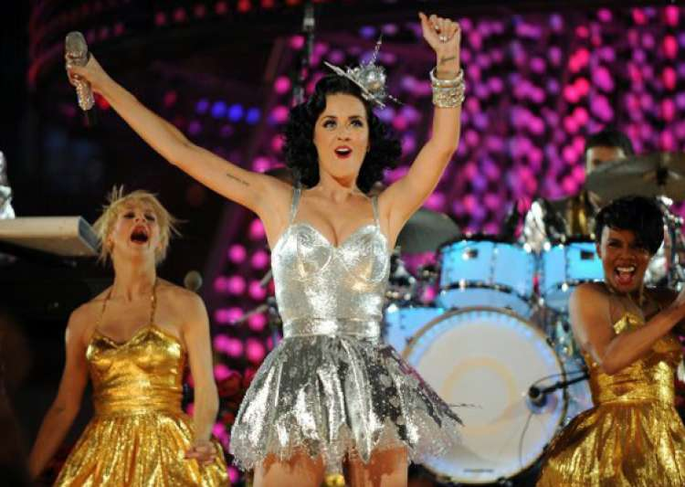 katy perry says she s not bashing russell brand in new single- India Tv