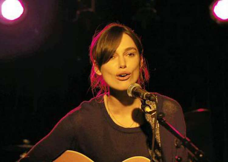 Keira Knightley's singing skill left co-stars surprised Keira Knightley Sing
