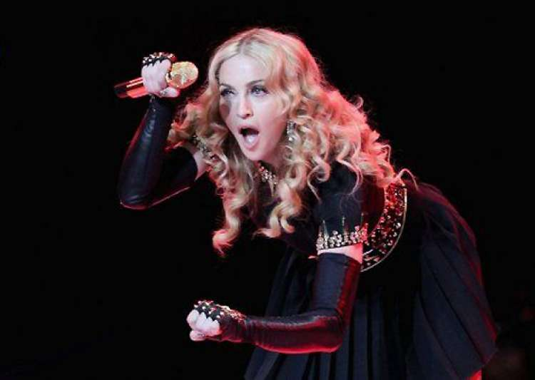 madonna still brings heat beats on mdna- India Tv