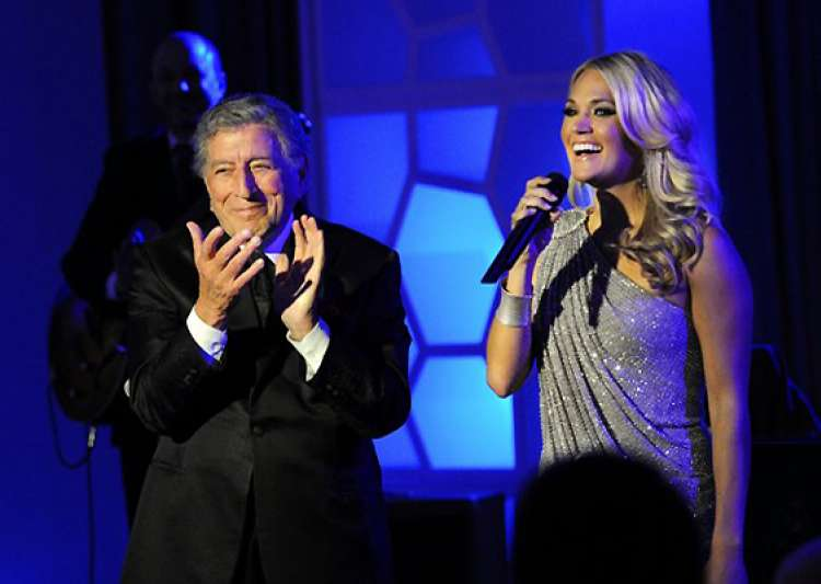 tony bennett and carrie underwood perform duet at grammy- India Tv