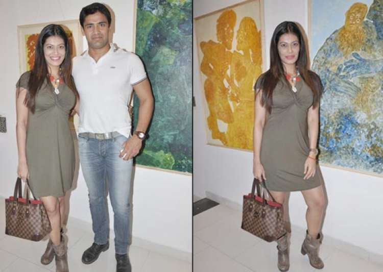 payal rohatgi poses with boyfriend sangram watch pix- India Tv