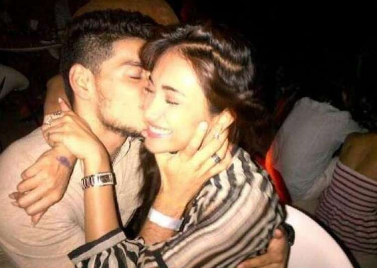 picture of suraj pancholi kissing jiah khan leaked view pics