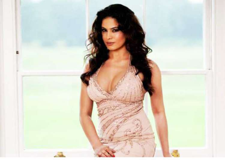 veena malik refuses to appear nude for playboy sun- India Tv